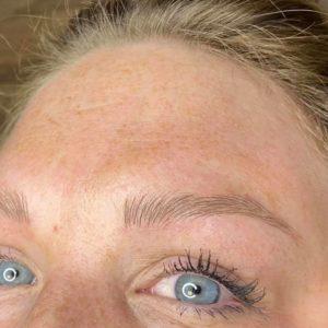 microblading eyebrow after